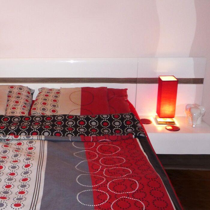 Lampada-da-tavolo-con-regolatore-'Tower-Touch'-moderna-rossa/tessuto-interna